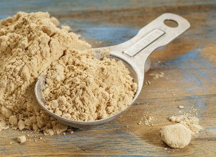 http://www.vegkitchen.com/wp-content/uploads/2013/01/Maca-powder-in-a-spoon.jpg