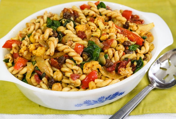 Curried Pasta with Spinach and Chickpeas