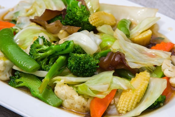 Broccoli and baby corn stir-fry - Buddhist's delight recipe