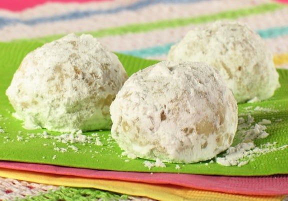 Vegan Mexican Wedding Cookies from