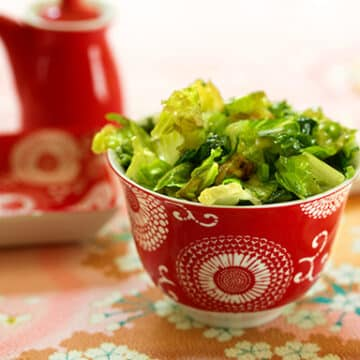 Chinese-style Stir-fried lettuce