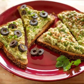 Avocado and chickpea sandwich spread