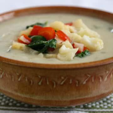 Vegan cream of cauliflower soup