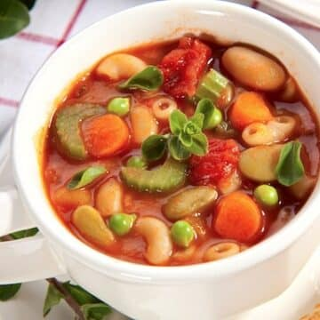 Pasta and bean soup1