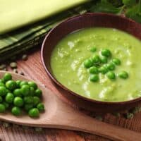 Creamy cashew green pea soup