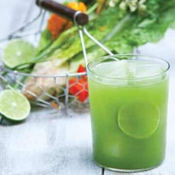 Spinach Pear Living Juice from Julie Morris