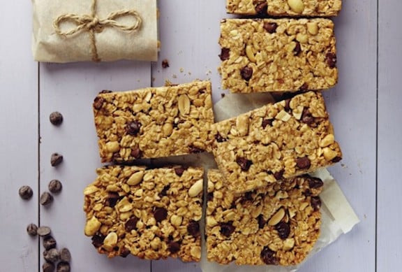 peanut butter chocolate chip granola bar
