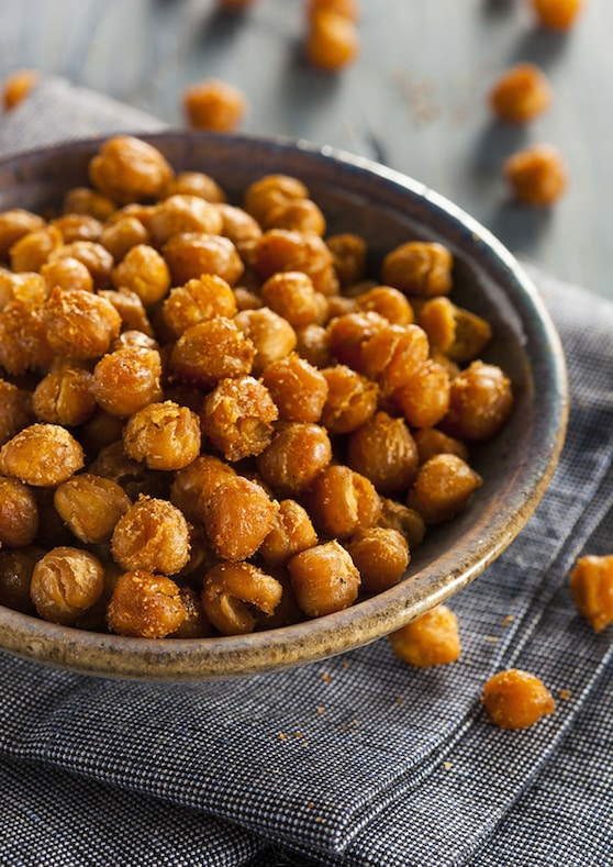 Skillet roasted spiced chickpeas