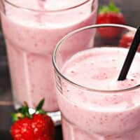 Strawberry vanilla maca smoothie