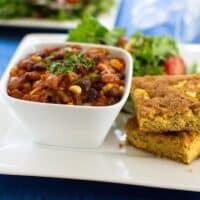 Classic veggie chili and cornbread