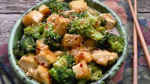Tofu and broccoli1