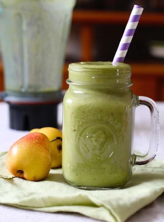 Pear and spinach smoothie2 from Love and Lentils