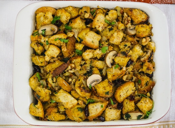 classic vegan thanksgiving bread stuffing