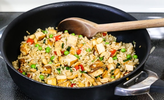 Stir-Fried Brown Rice with Tofu