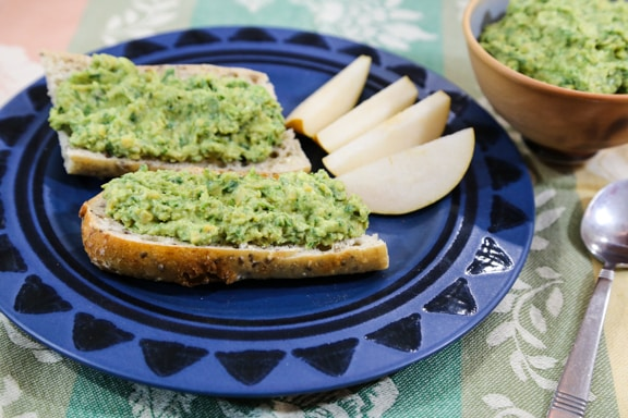 Chickpea, Spinach, and Avocado Spread recipe