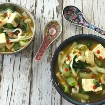 20-minute asian vegetable noodle soup