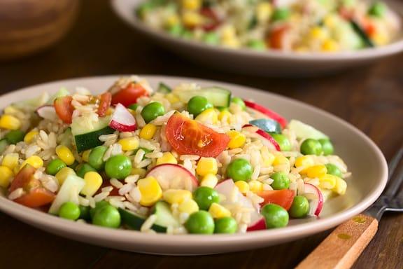 Brown rice & vegetable salad