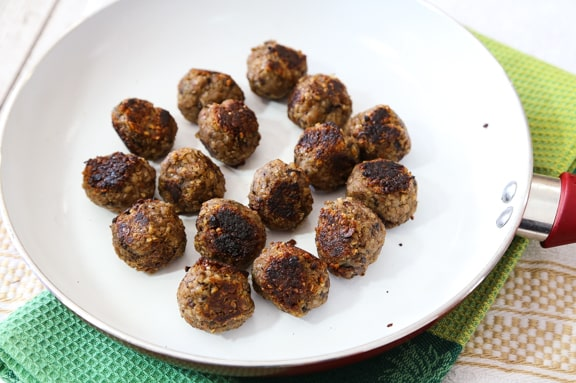 Ridiculously easy vegan meatballls