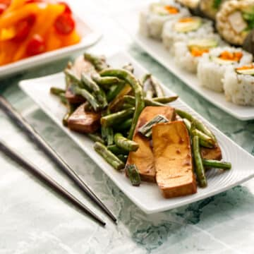 Tofu and green beans teriyaki dinner