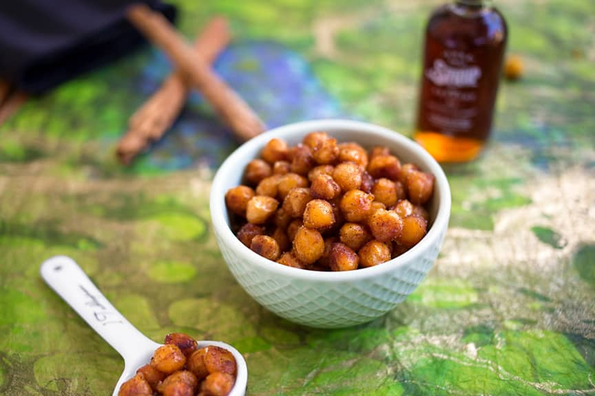 Cinnamon maple skillet-roasted chickpeas