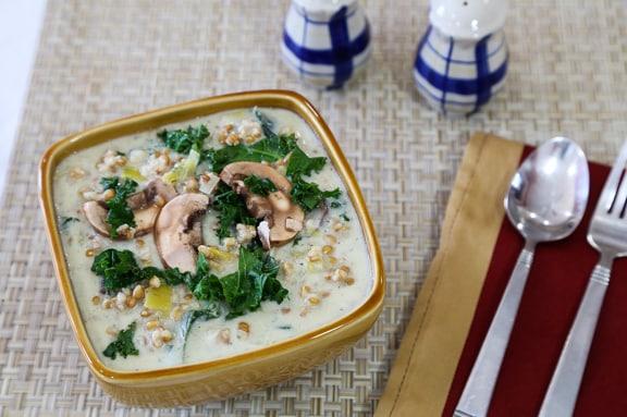Creamy mushroom-leek soup with ancient grains