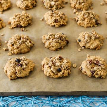 Vegan Peanut butter granola cookies