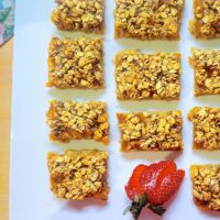 Four-Ingredient Apricot Bars
