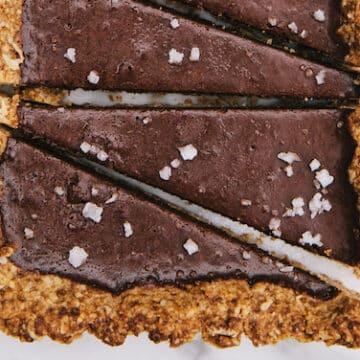 Crunchy Salty Peanut Butter Chocolate Tart