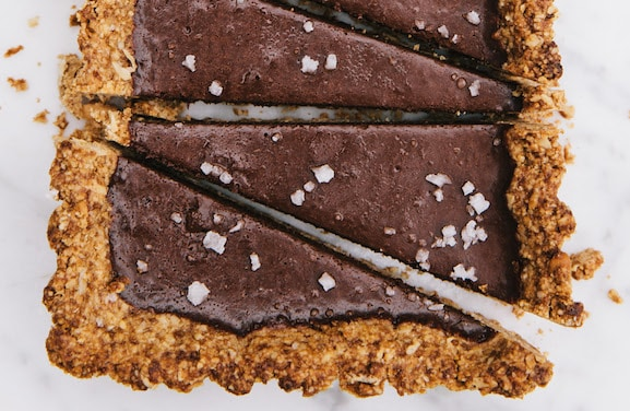 Crunchy Salty Peanut Butter Chocolate Tart