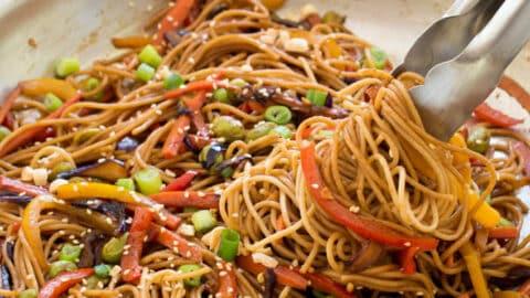 30 Minute Rainbow Vegetable Noodle Stir Fry