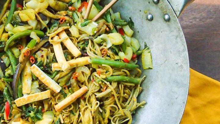 vegetable soba noodle stir fry