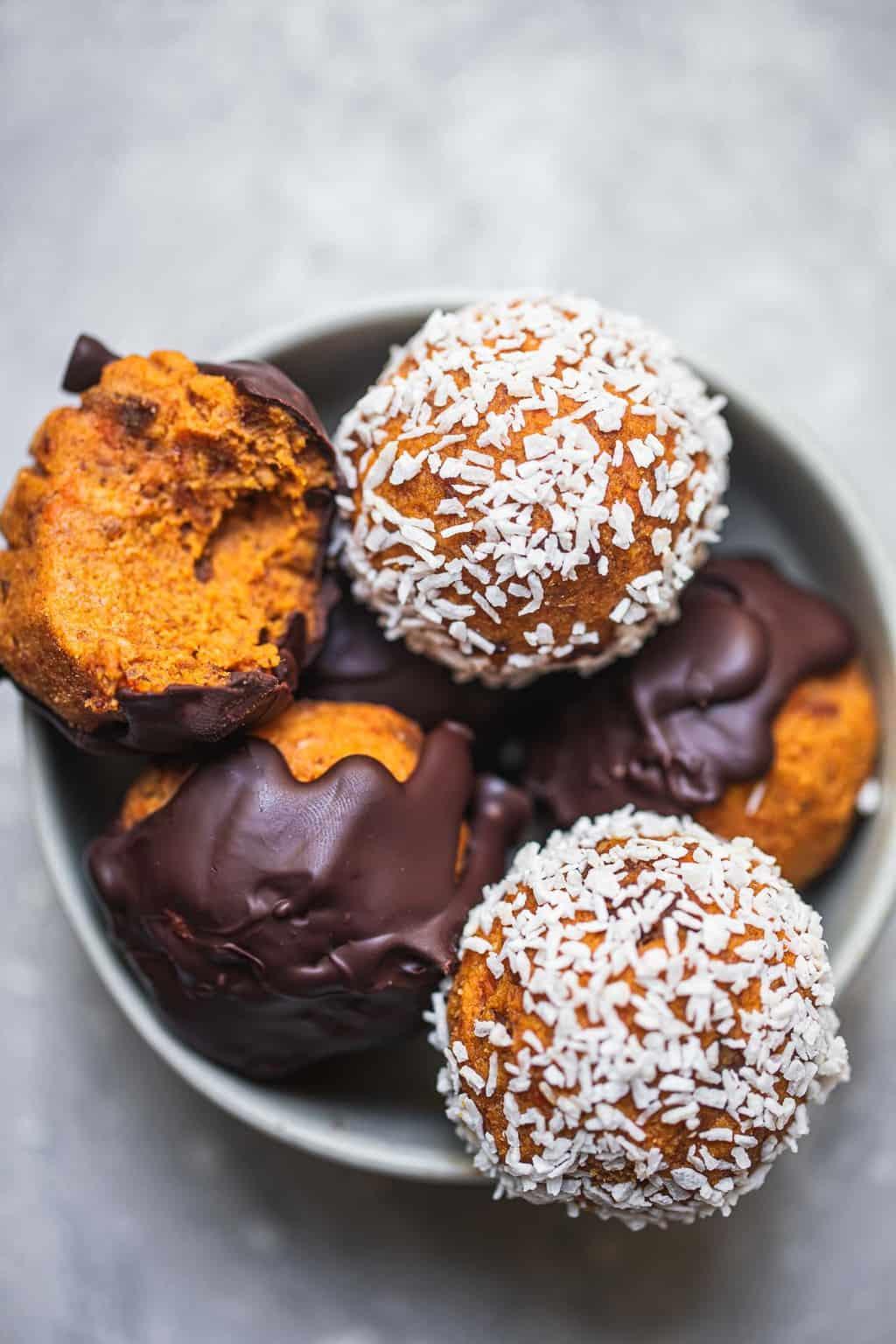 pastel de zanahoria vegano bolas de felicidad